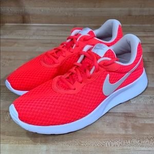Women's Nike Tanjun Running Shoes